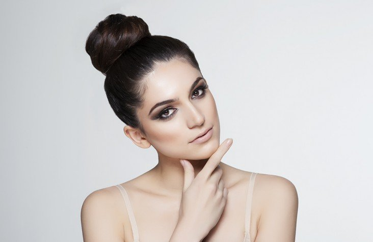 Acconciature laterali chignon