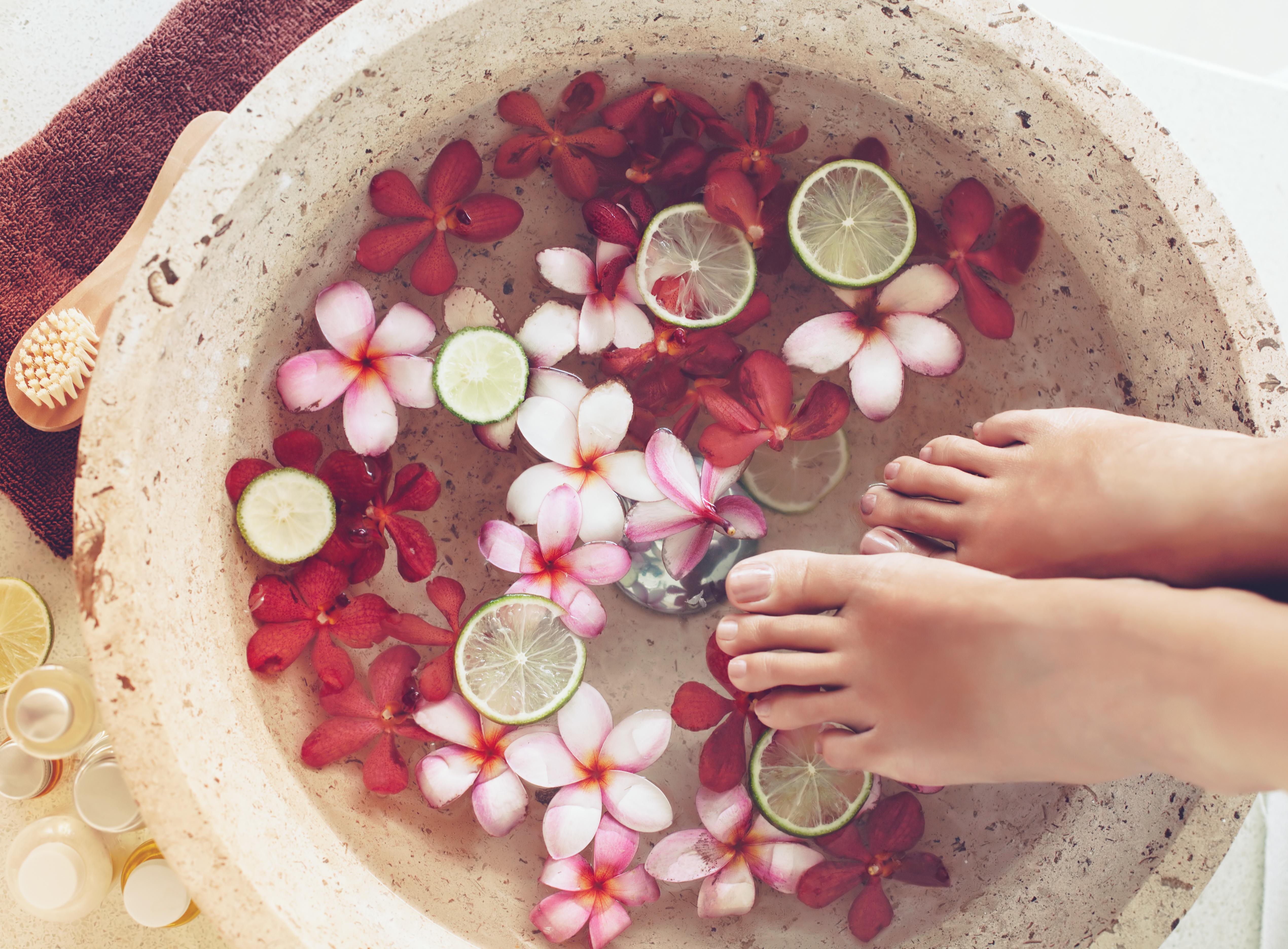 nuovi prodotti caldi Prezzo del 50% colori e suggestivi Come fare lo scrub, super alleato delle nostre gambe   Feel Your Look